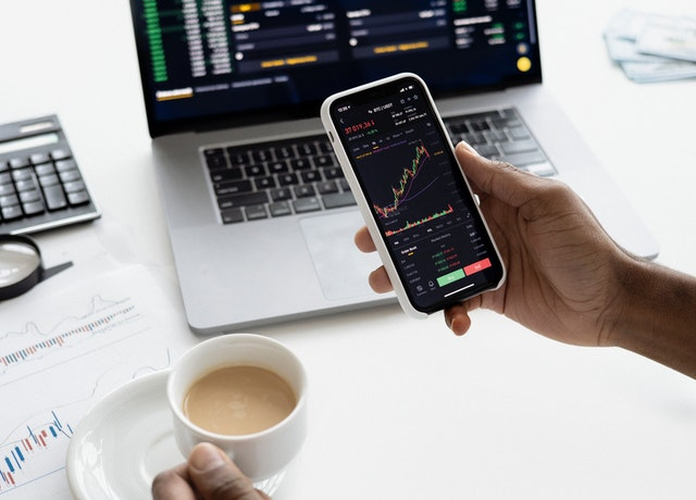 Online Trading- What To Look At While Choosing The Right Platform