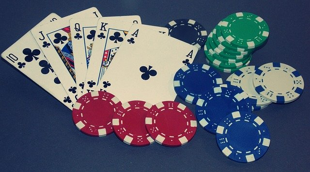 Why have online casinos become the preference of the gamble these days? Check out 2 reasons for this