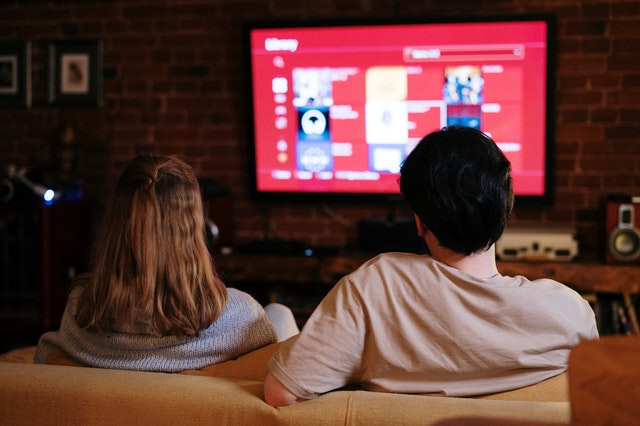 What Are the Benefits of Watching Movies Online for Free?